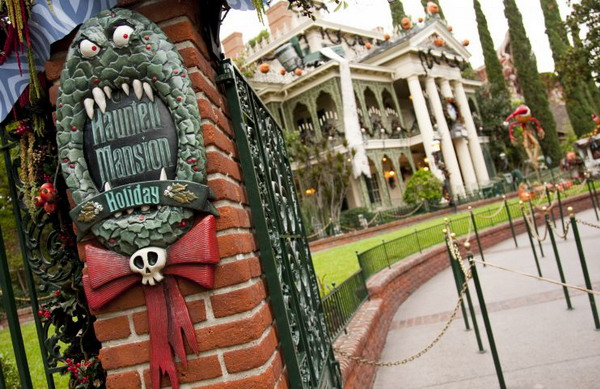 haunted-mansion-holiday-disney