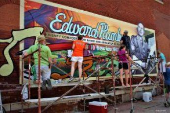 "alt=""Edward Plum Walldog mural in Streator, Illinois."""