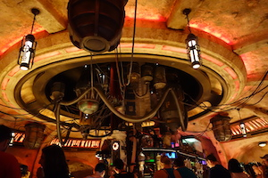 "alt=""Ceiling view of Oga's Cantina at Star Wars: Galaxy's Edge."""