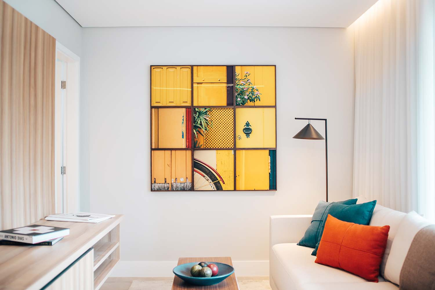 8 Creative Wall Decor Ideas From Paintings To Murals