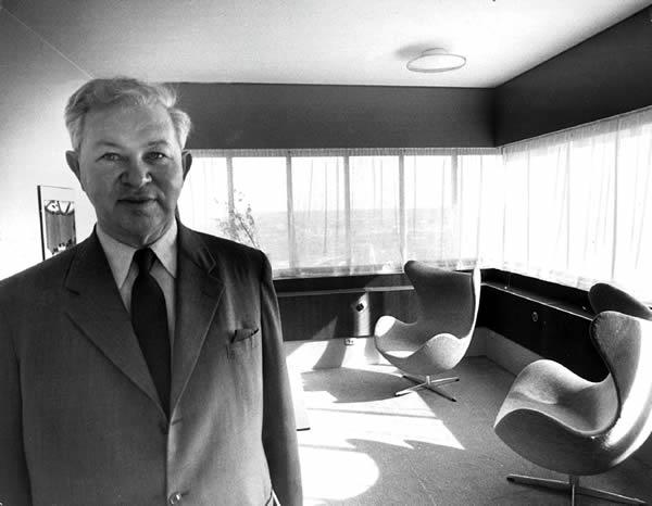 Arne Jacobsen at the Royal Hotel, 1960