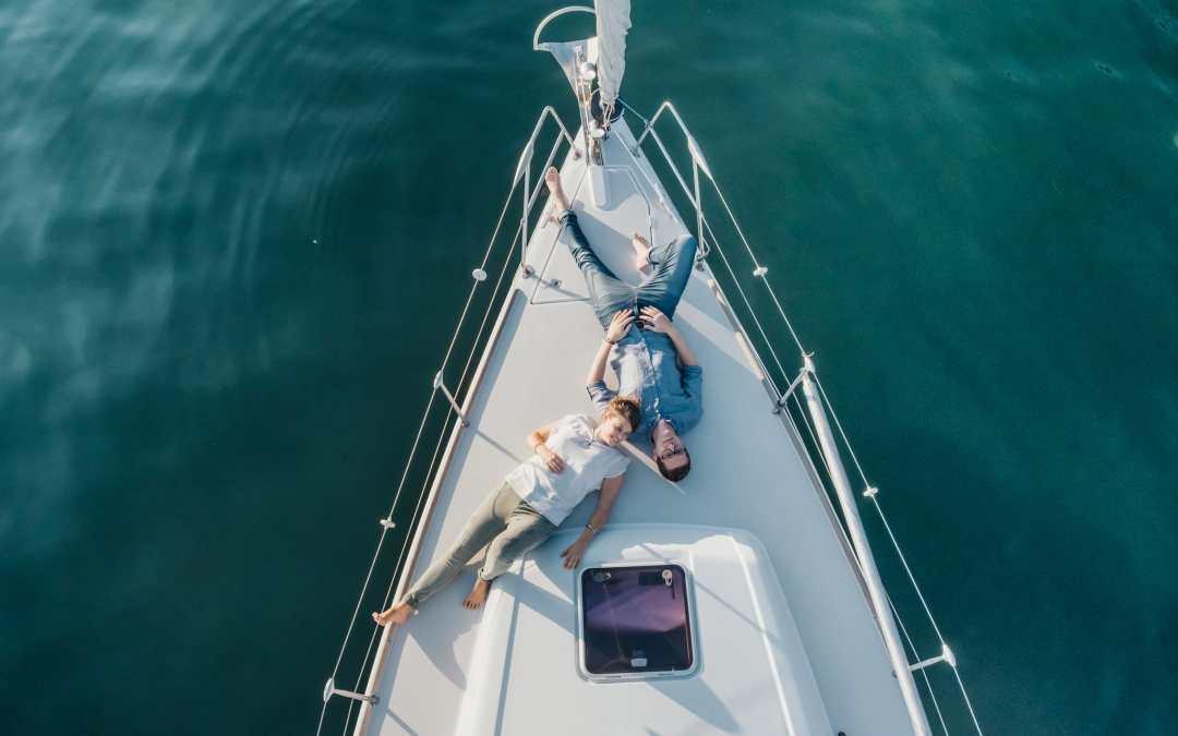 N+M – Fotografie di Coppia in Barca a Vela