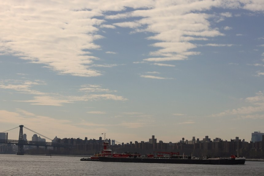 east river ferry greenpoint brooklyn