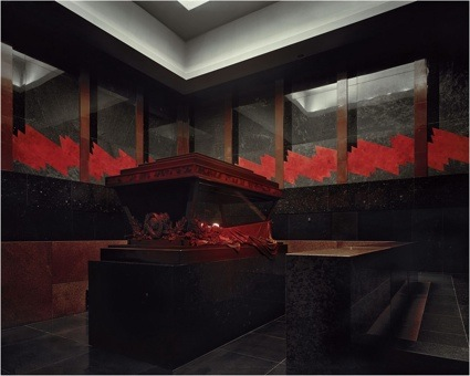 0mausoleo-de-lenin-camara-funeraria-i-1998-fotografia-de-richard-pare-cortesia-de-kicken-berlin-jpg.jpg