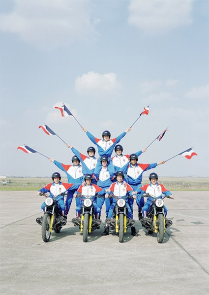 acrobatic-squad-12.jpg