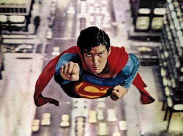 ArtN14_Cinemavsfumetto_Superman_Themovie[1].jpg