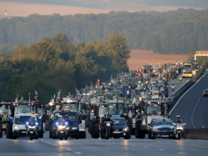 French farmers are going to flood Paris with tractors + MORE