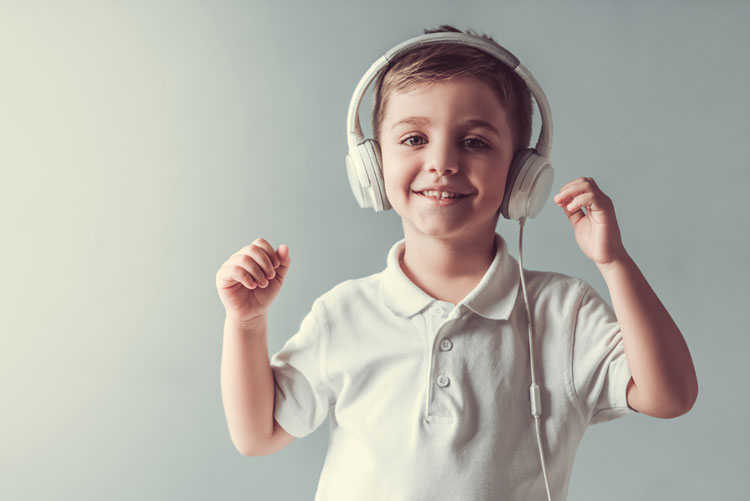 Best {Safe-Listening} EarBuds & Headphones For Kids | 2018 Reviews