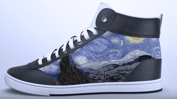 Smart footwear, you can change the display patterns