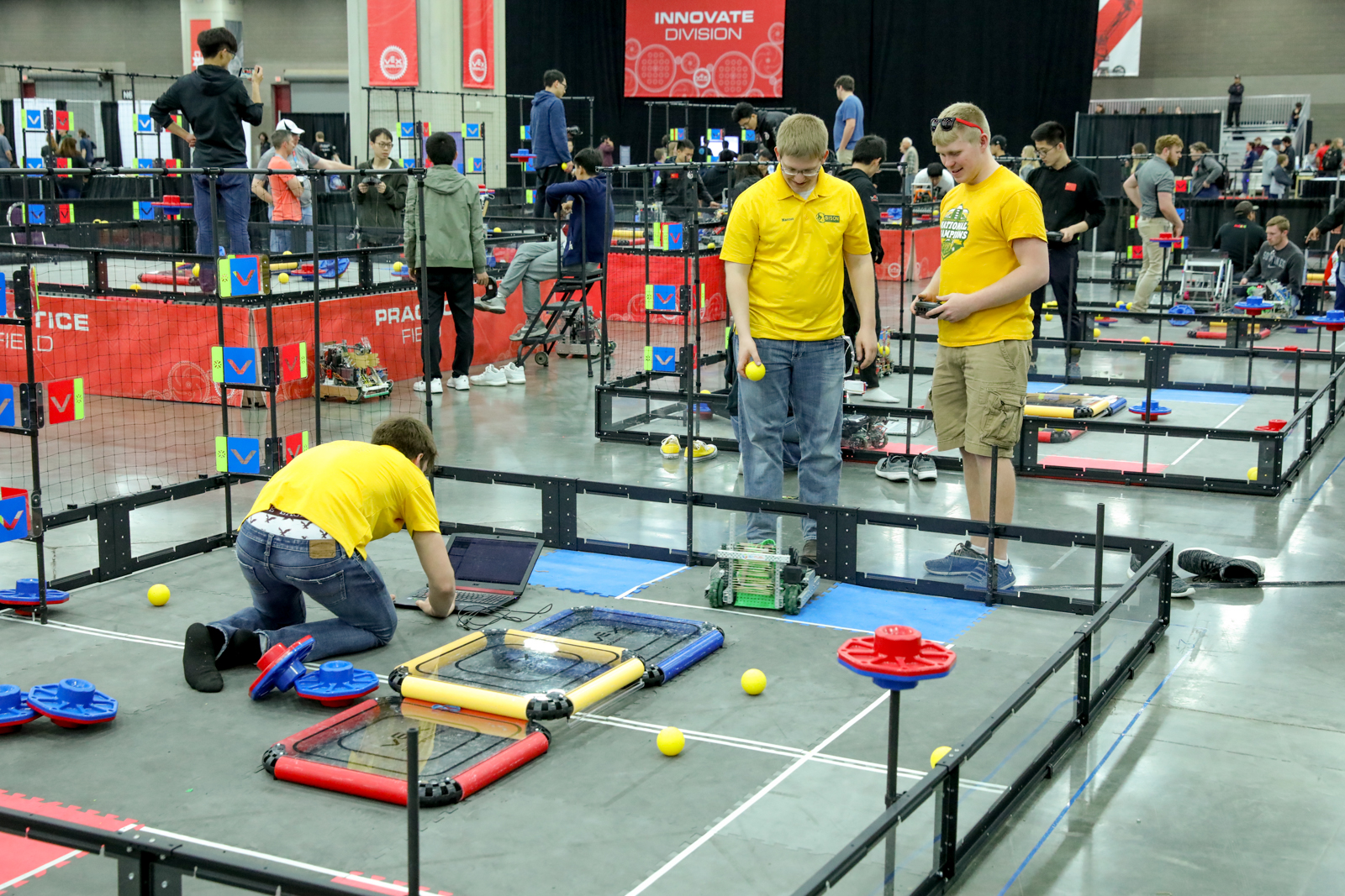 Photos 2019 Vex Robotics World Championship Wtaj Www Wearecentralpa Com Play the classic card game hearts online for free, against the computer or your friends. 2019 vex robotics world championship