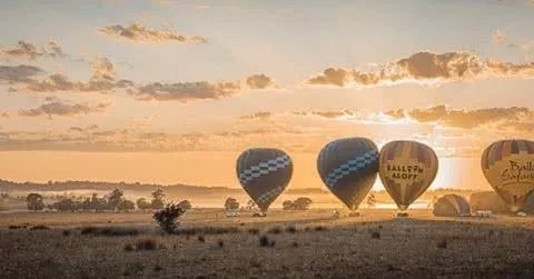 "Microadventures with @captured_by_arv 5/5 ""2:30am drive to catch the last flight at 6:30am . Balloon Aloft Festival up at Hunter Valley. Exploring around to the get the best vantage point. One of the happiest moment of my life. Felt like I was a kid again. As they say ""have a end in mind"". And this was exactly what I had in mind. "" #weareexplorers"