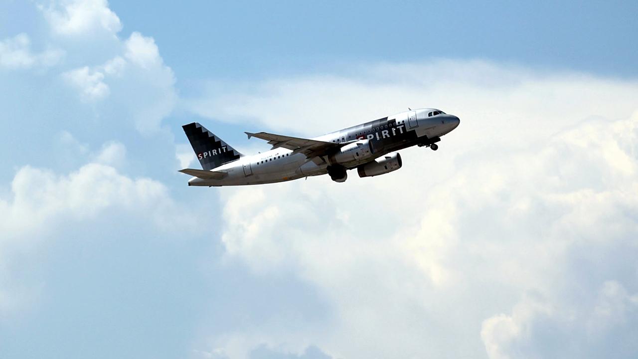 Spirit Airlines plane flying-159532.jpg69528684