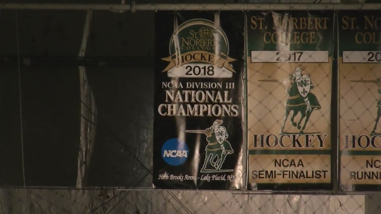 Green_Knights_Drop_Banner_with_Shutout_W_0_20181028155531
