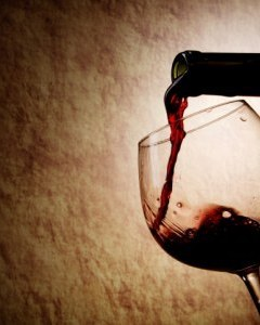 red_wine_pouring