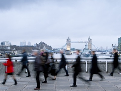 people-walking-to-work-in-rush-hour-featured