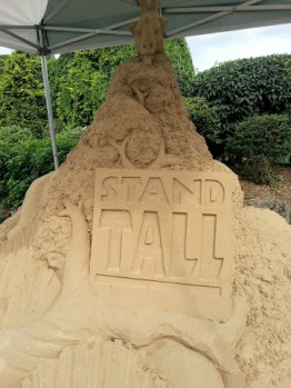 stand-tall-sand-carving