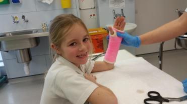 jaycee-broken-arm-pink-cast2