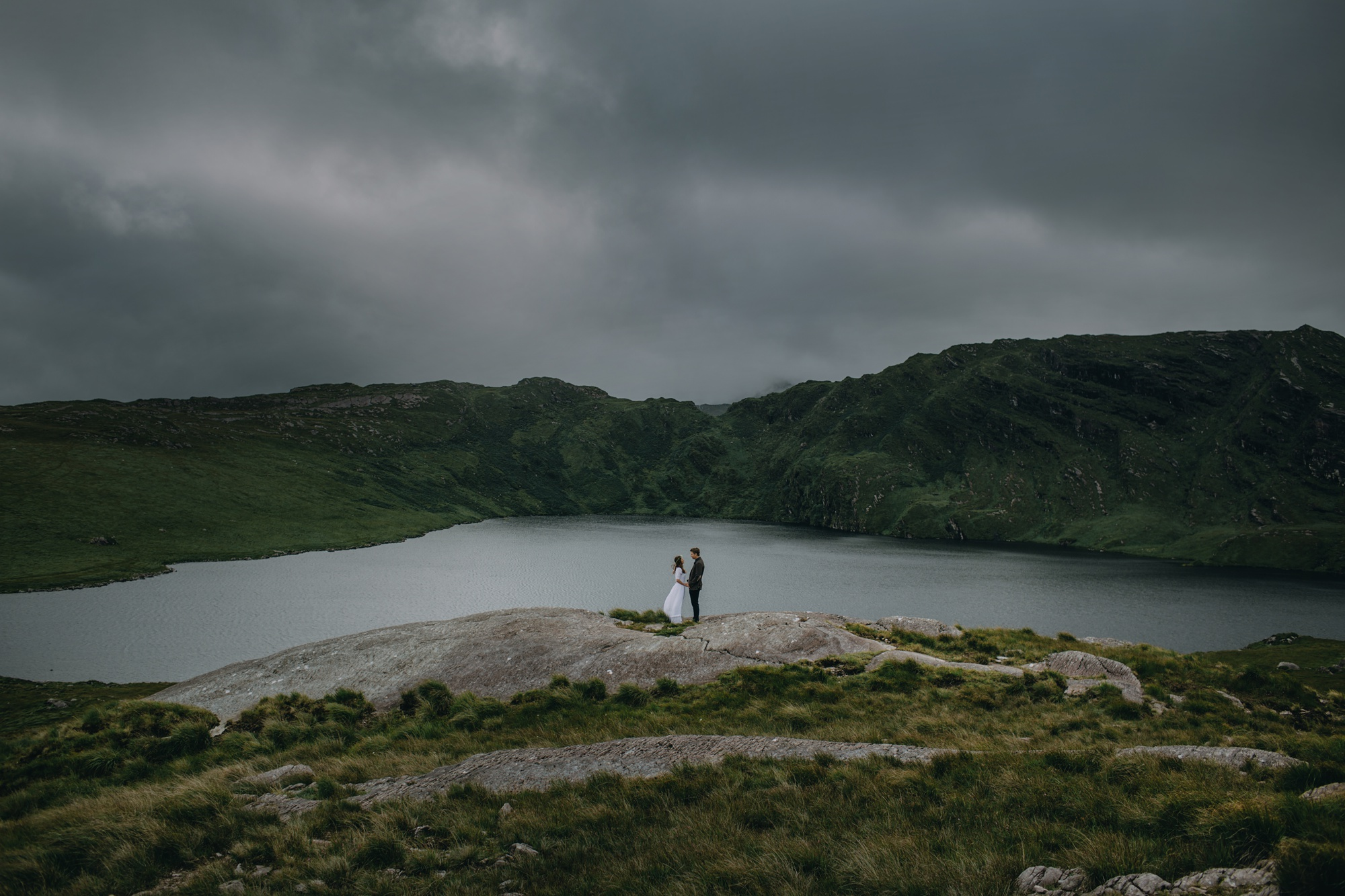 A wild and romantic elopement in Ireland in Glengarriff in West Cork by Paula O'Hara Photography