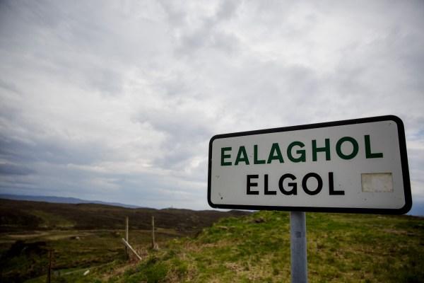 Elgol village sign by Lynne Kennedy Photography