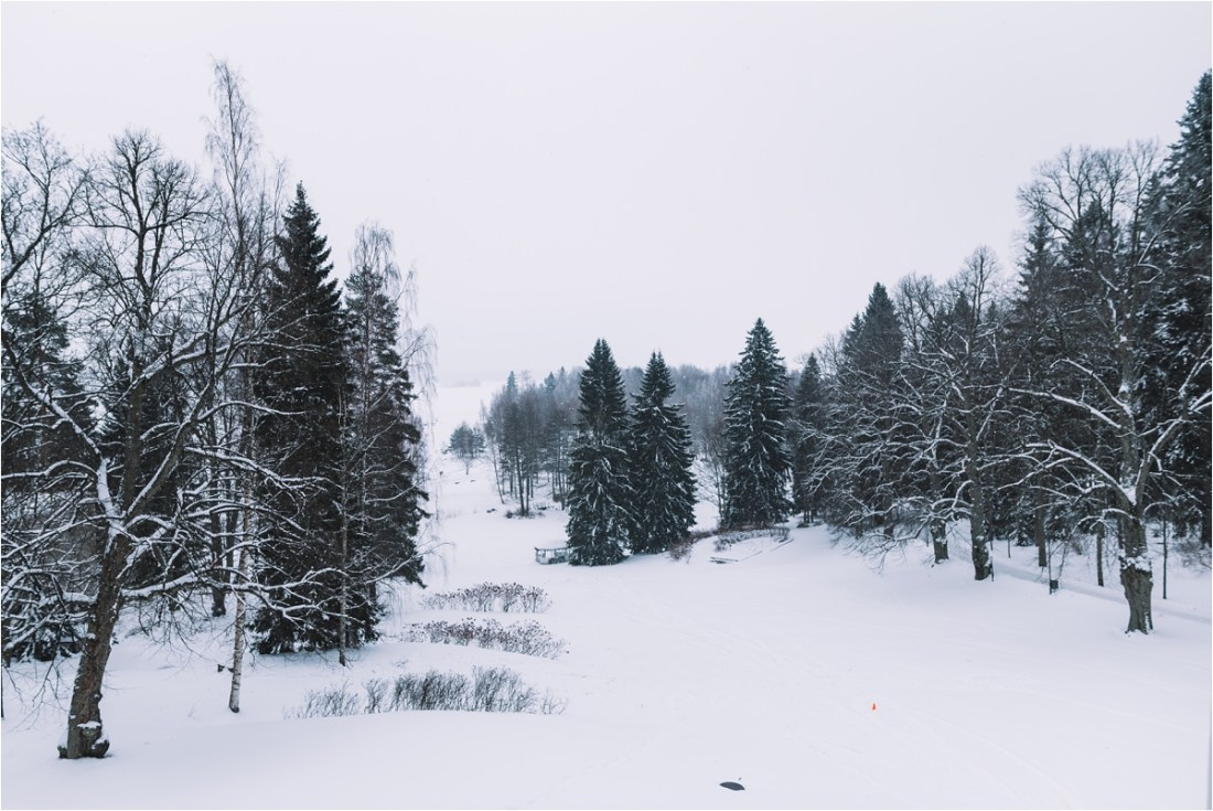 A snowy Kullo Golf Oy Wedding in Finland by Lucie Watson Photography