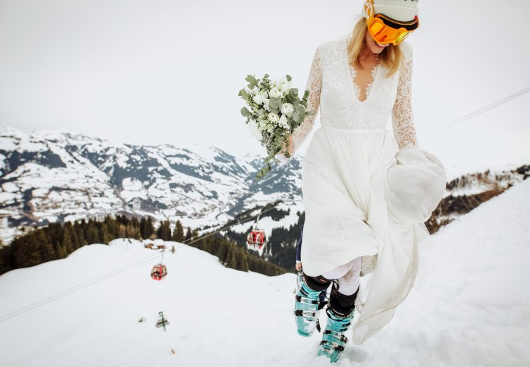 A ski wedding experience in Austria by Wild Connections Photography