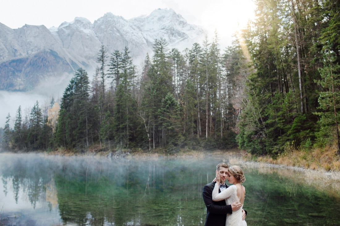 Elopement on Lake Eibsee in Germany