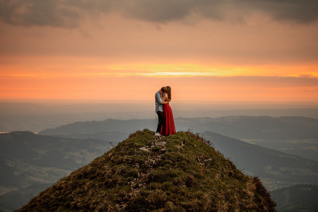 Romantic Sunset Photoshoot in Austrian Mountains