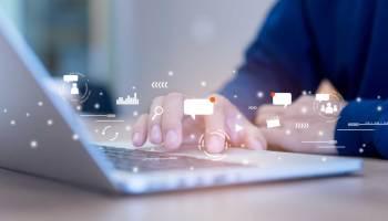 employee advocate sharing marketing content
