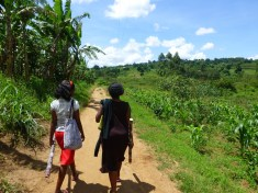 Backpacken in Oeganda zandweggetjes
