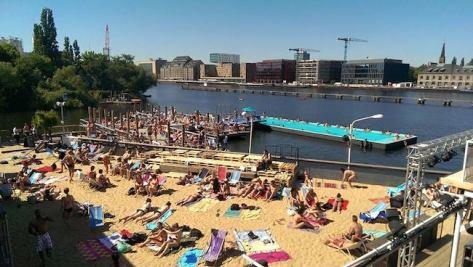 Badeschiff Berlin foto von Facebook
