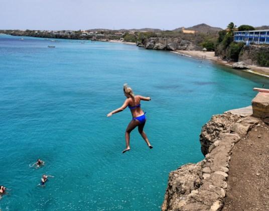 Cliff diving playa westpunt curacao