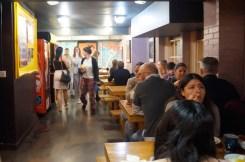 Clink 78 hostel eetzaal ontbijtzaal
