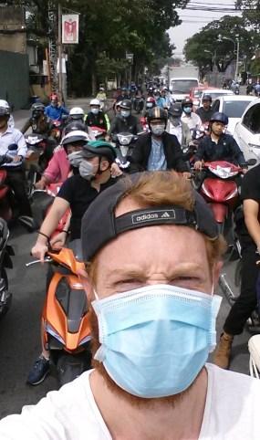 Fietsen in vietnam scooters