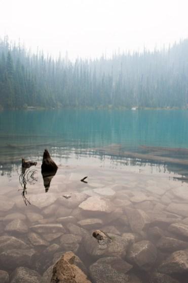 Joffre lakes middle lake