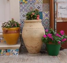 Marzamemi potten straatjes italie oostkust sicilie