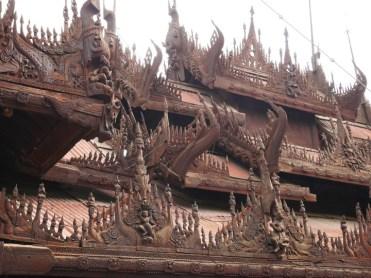 Shwe in Bin teakhouten tempel Mandalay