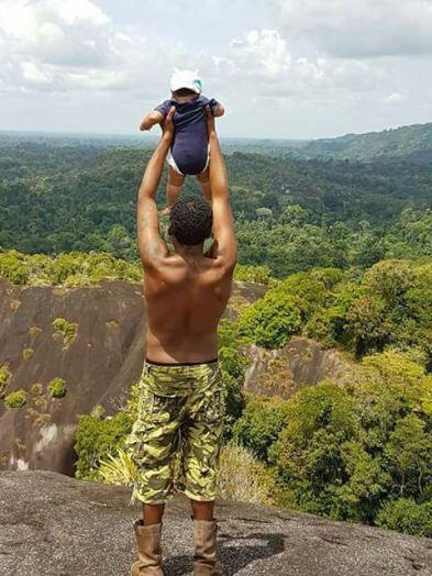 Steve O in de jungle van suriname