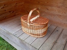 glamping ontbijt picknick mand lake bled