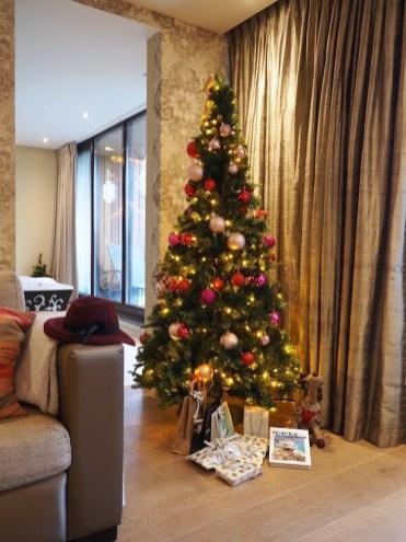 kerstboom-in-kerstsuite-van-der-valk-heerlen