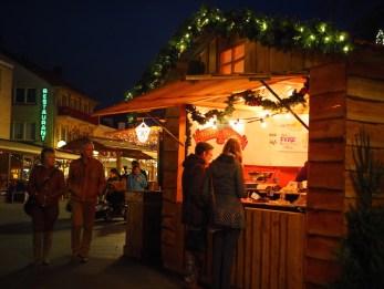 Kerstmarkt Valkenburg kraampjes santas village