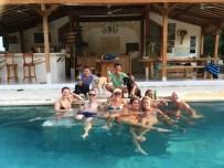 pelan pelan bali familie surf yoga retreat