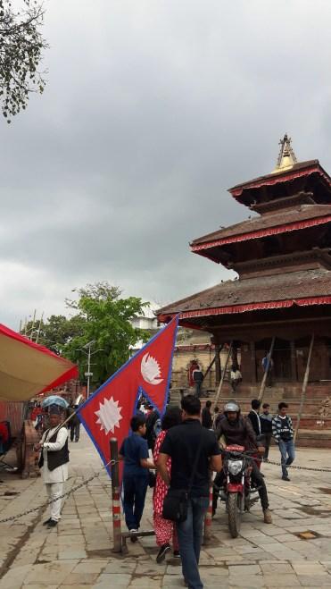 rode vlag tempel kathmandu nepal