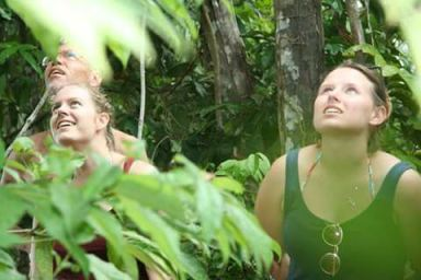 tijdens jungletocht in suriname met steve
