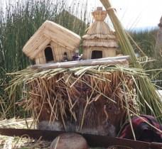 titicaca-meer-tour-peru-voorbeeld-uros-eilanden