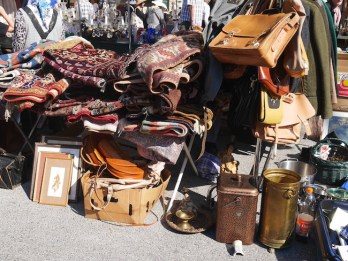 tweedehands spullen op de naschmarkt van wenen