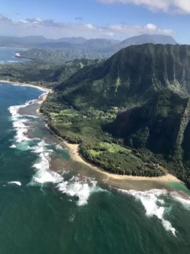 vlucht met helicopter boven hawaii