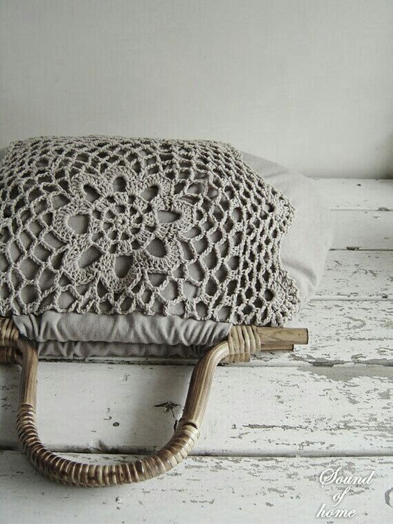 Crochet lace wood bag