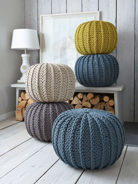 chunky poufs in colour 02
