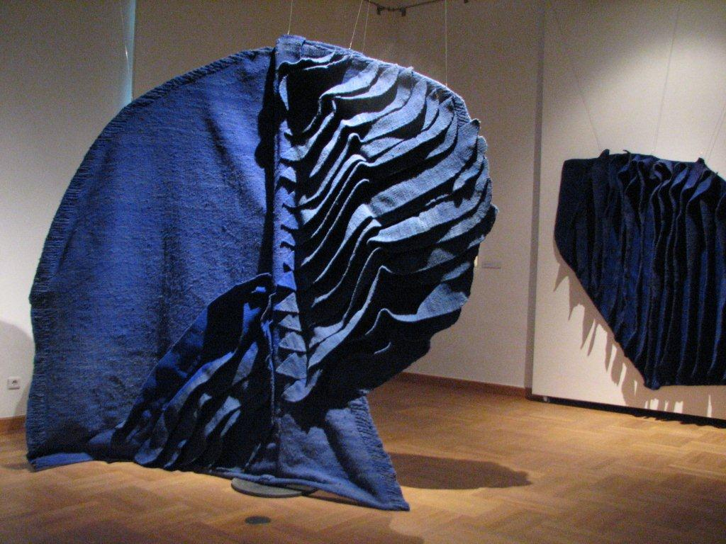 Jagoda Buic blue sculpture