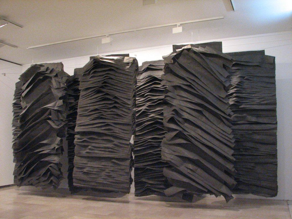 Jagoda Buic black sculpture
